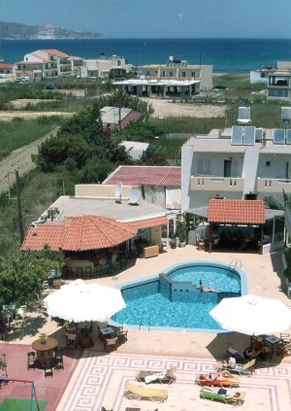 albatros apts the pool from the air