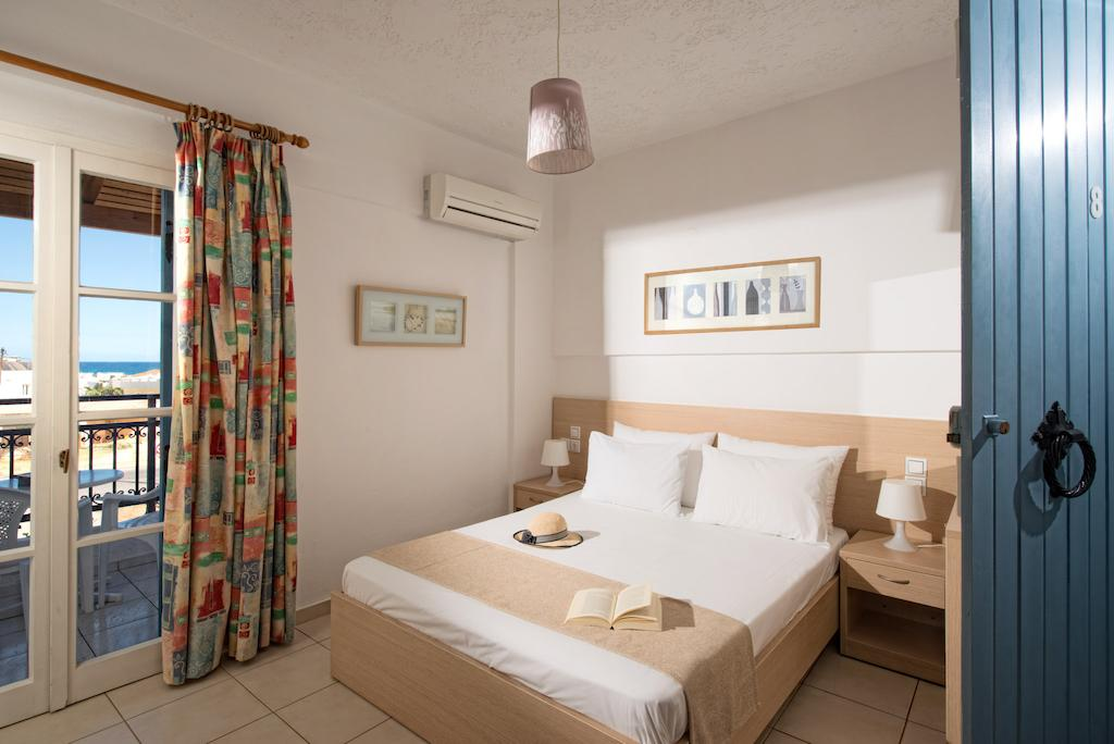 castello apts the double bed